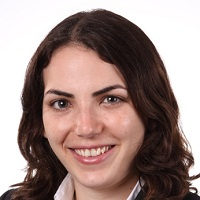 Tali Rosman - טלי רוזמן - בוגרת MBA) INSEAD). טלי למדה בשני הקמפוסים של INSEAD, בצרפת ובסינגפור. בעת הגשת המועמדות ל- INSEAD, טלי הייתה מהמועמדים הצעירים ביותר (היא התקבלה לתוכנית בגיל 24). היא סייעה למספר מועמדים להגיש בקשות ולהתקבל לתוכניות המובילות