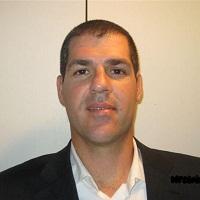 אורי אלקין - בוגר MBA 2007) Haas). עם סיום לימודיו ב- Haas הצטרף אורי לחברת Veritas כיועץ קבלה לבתי ספר למנהל עסקים עם דגש על Haas. במהלך שלוש השנים האחרונות, סייע אורי למעל 100 תלמידים בשלבים שונים של הגשת האפליקיישן, החל מבניית אסטרטגיה ועד לראיונות תרגול