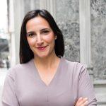 עינב דינור - עינב דינור סיימה את לימודי ה-MBA בשיקגו, שם קיבלה מלגה. לאחר סיום הלימודים היא עבדה ב-BCG במשרדם בשיקגו