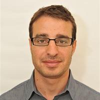Danny Hadar - דני הדר - בוגר דיוק (EMBA). לדני יש 5 שנות נסיון ביזמות בתחום פיתוח נדל''ן בארה''ב, ו-5 שנות נסיון תעסוקתי בתחום ניהול פרויקטים ושיווק בתעשיית ההי-טק בישראל. כיום עובד בחברת Peregrine Ventures בארץ